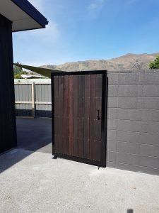 custom gates wanaka