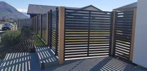 matal and wood fence